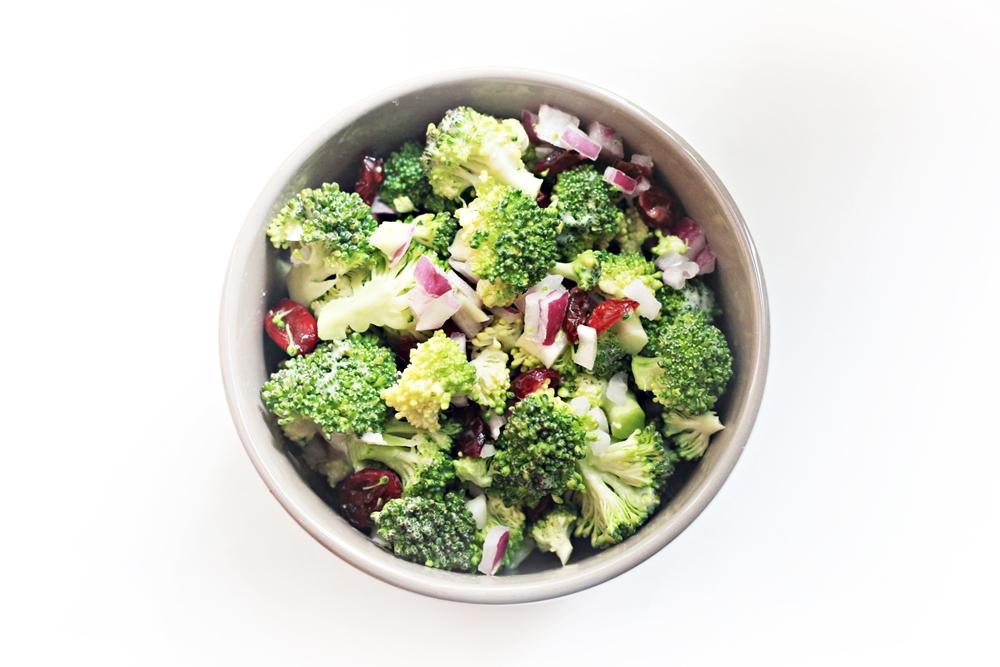 Brokoliu salotos. zalia gentis. 1000