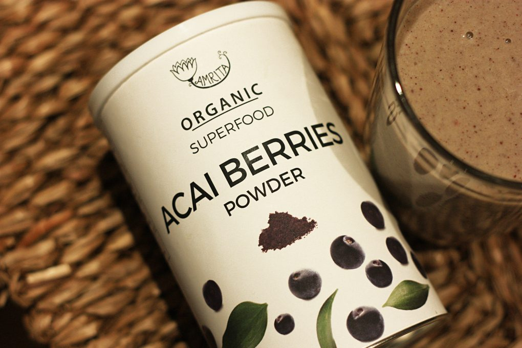 Kokteilis su acai berries powder zalia gentis 2